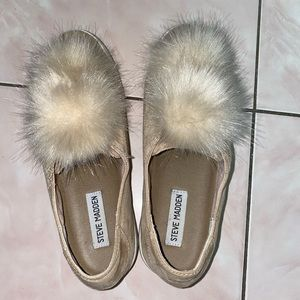 Steven madden tan suede shoes with fuzz ball